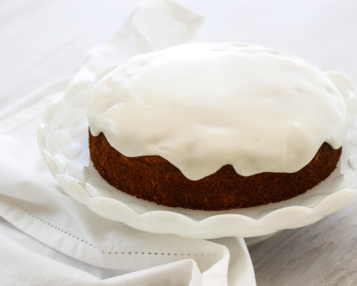 French Yoghurt Cake (Gateau au Yaourt)
