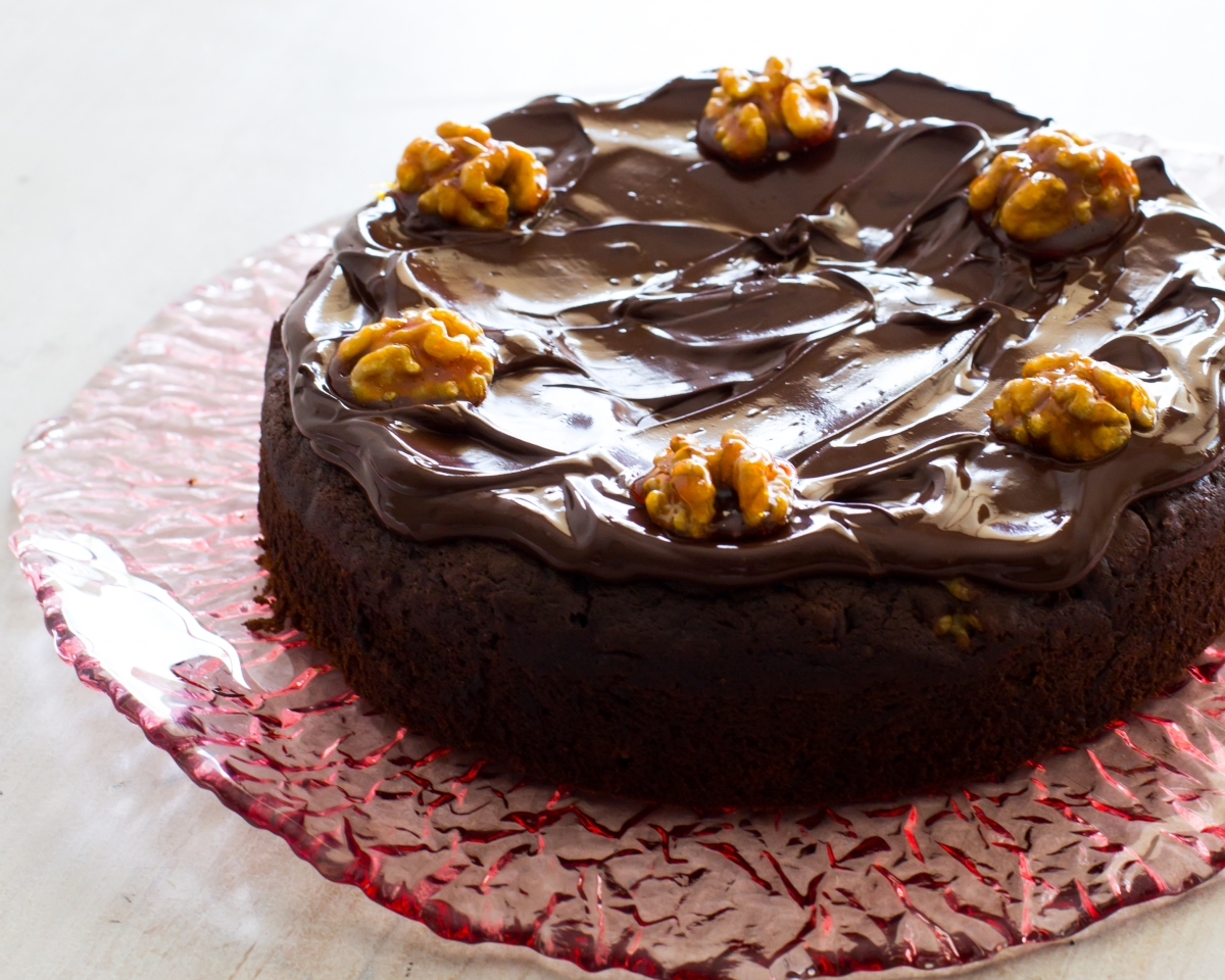 Coffee, Date & Walnut Chocolate Cake